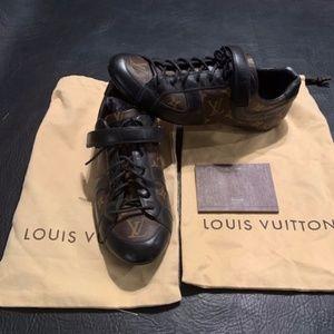 LOUIS VUITTON GLOBETROTTER'S MENS SNEAKERS SIZE 9